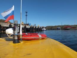 Перед выходом пошли к пограничникам показать лодку и документы