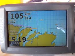 Глубина 105, скорость 5,19 км/ч. Заходим