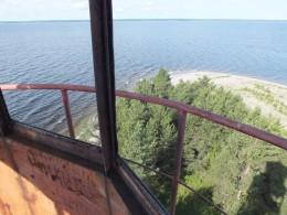 Виды на озеро с маяка.