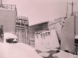Разрушенные шлюзовые ворота 7 шлюза