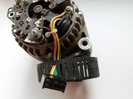 Из генератора выведены провода для внешнего управления. Штатный РН внутри.