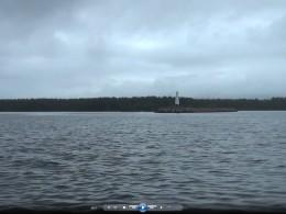 Повенецкий маяк на входе в канал