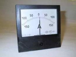 В движении разглядеть на такой шкале зарядку в 3-5 ампера сложно