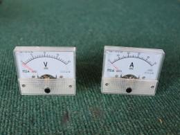 Стрелочные вольтметр и амперметр
