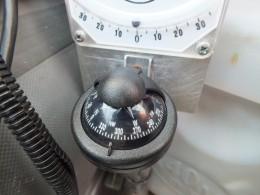 Магнитный компас и кренометр