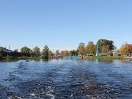 Онежский канал остался за кормой.
