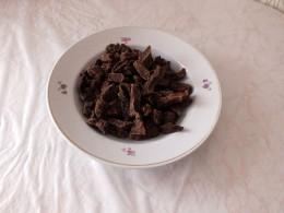 1,5 кг. мяса после сушки. Можно хранить 2-3 месяца при обычной температуре.