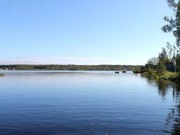 Налево р. Свирь, направо Онежское озеро