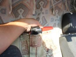 С водительской стороны нашиты карманы для хранения фото/видео и прочего.